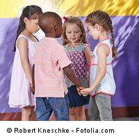 Kita-Kinder im Spielkreis