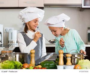 Kita-Kinder kochen